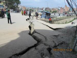 Nepal strada distrutta