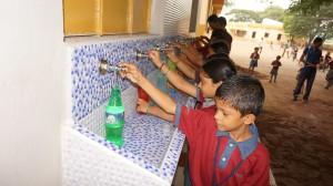 Acqua potabile nella scuola di Karempudi