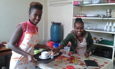 Shire - Meheret e Giday preparano il vassoio